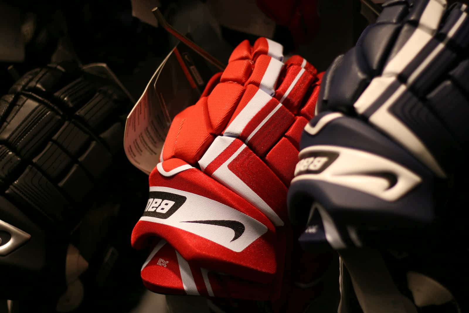 clean hockey gloves
