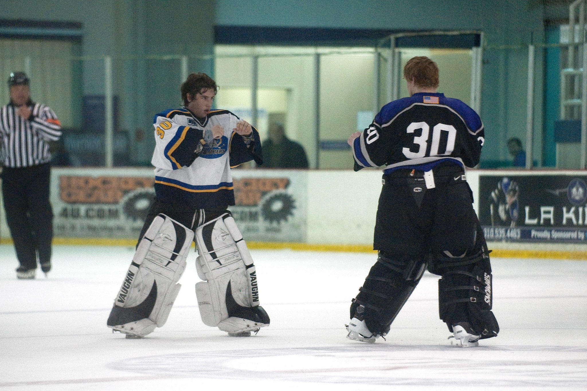 goalies fighting